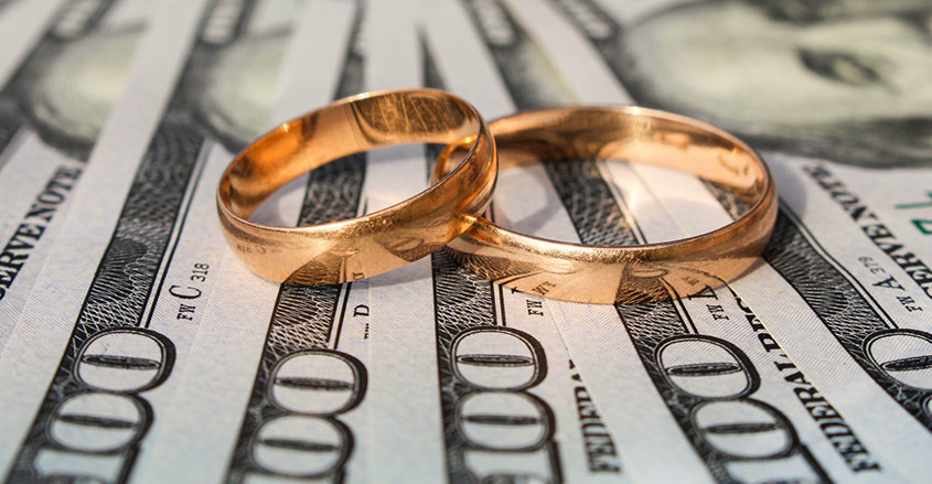 keeping separate bank accounts when married